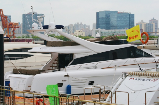 yacht18